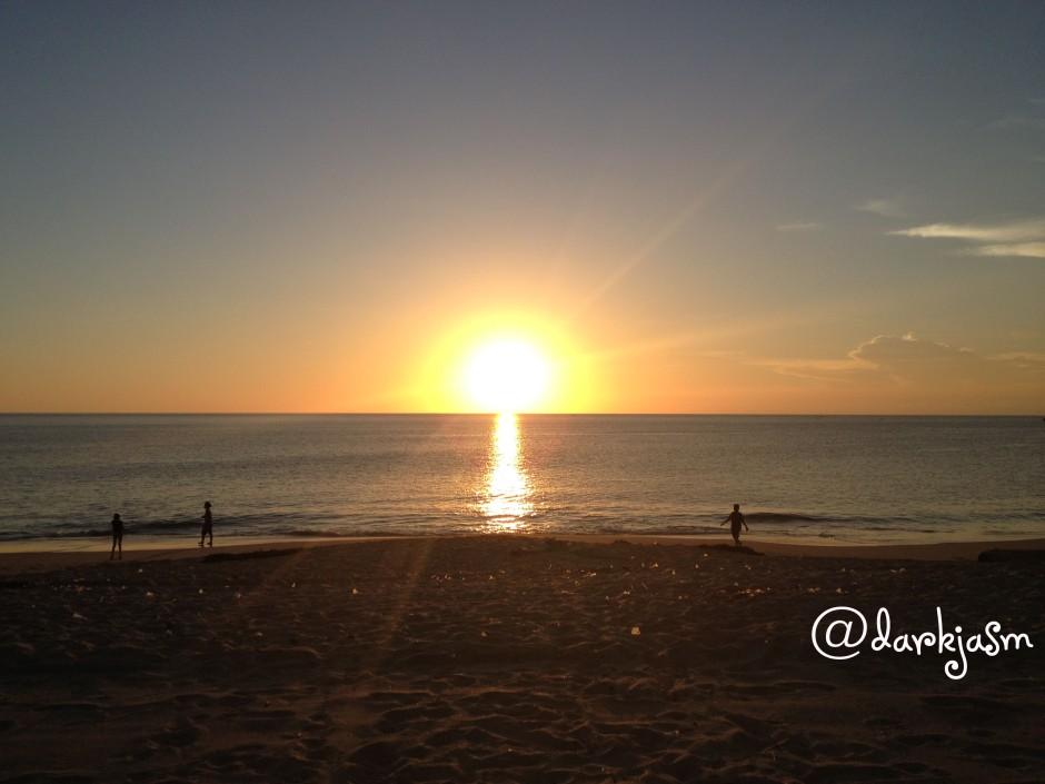 The sun is ready to set at Jimbaran